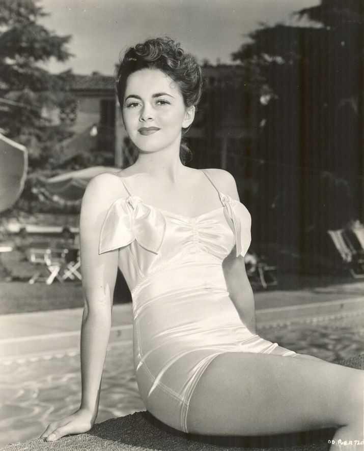 Olivia de Havilland lingerie pics