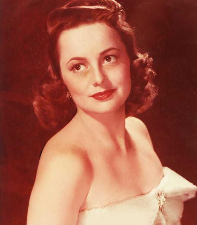 Olivia de Havilland tits pics
