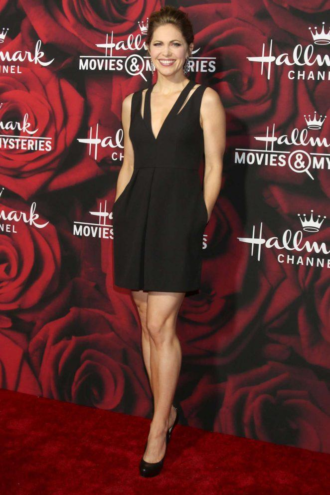 Pascale Hutton cleavage pics