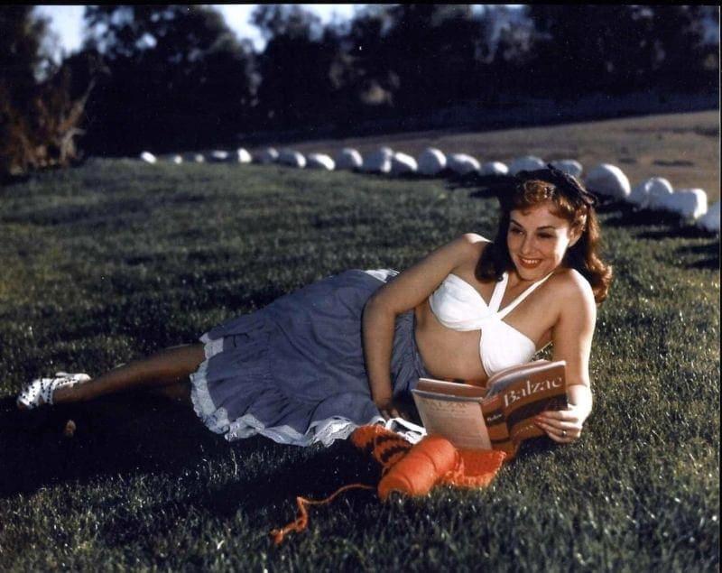 Paulette Goddard boobs pics