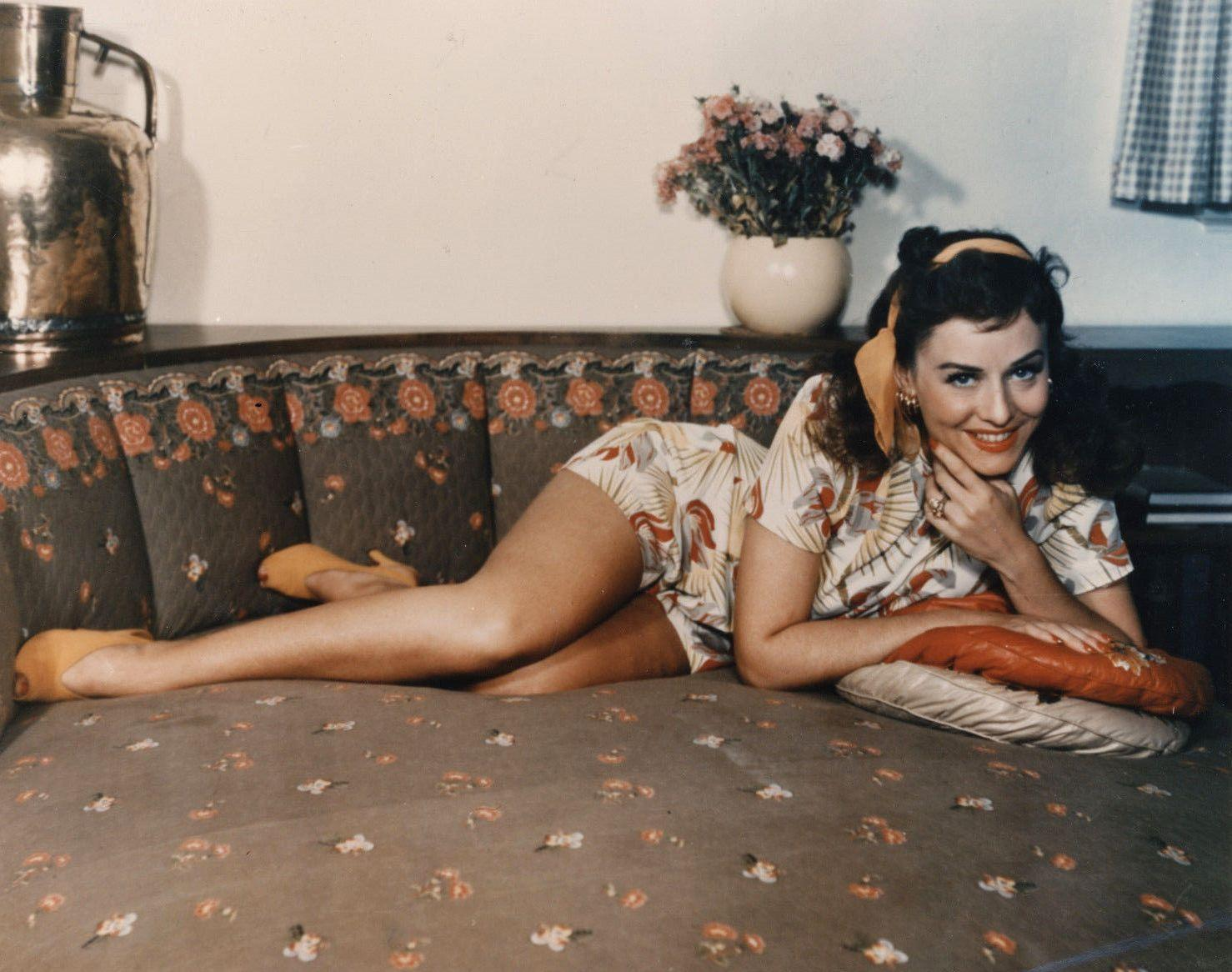 Paulette Goddard sexy ass pics