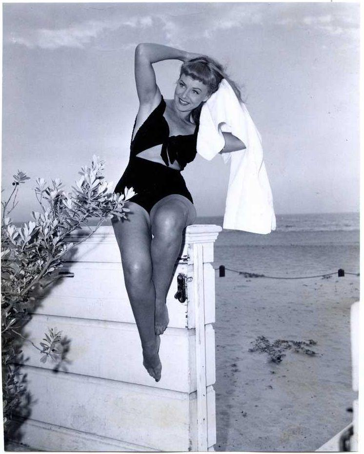 Paulette Goddard sexy images