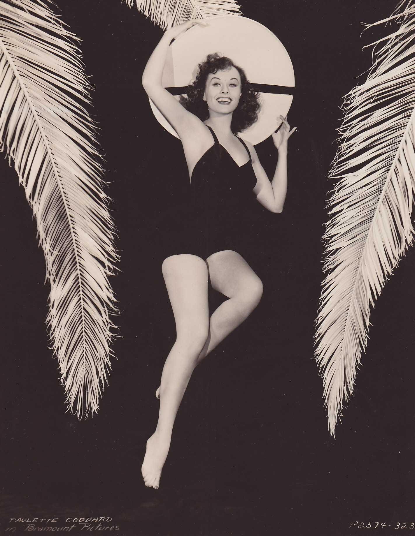 Paulette Goddard topless pics