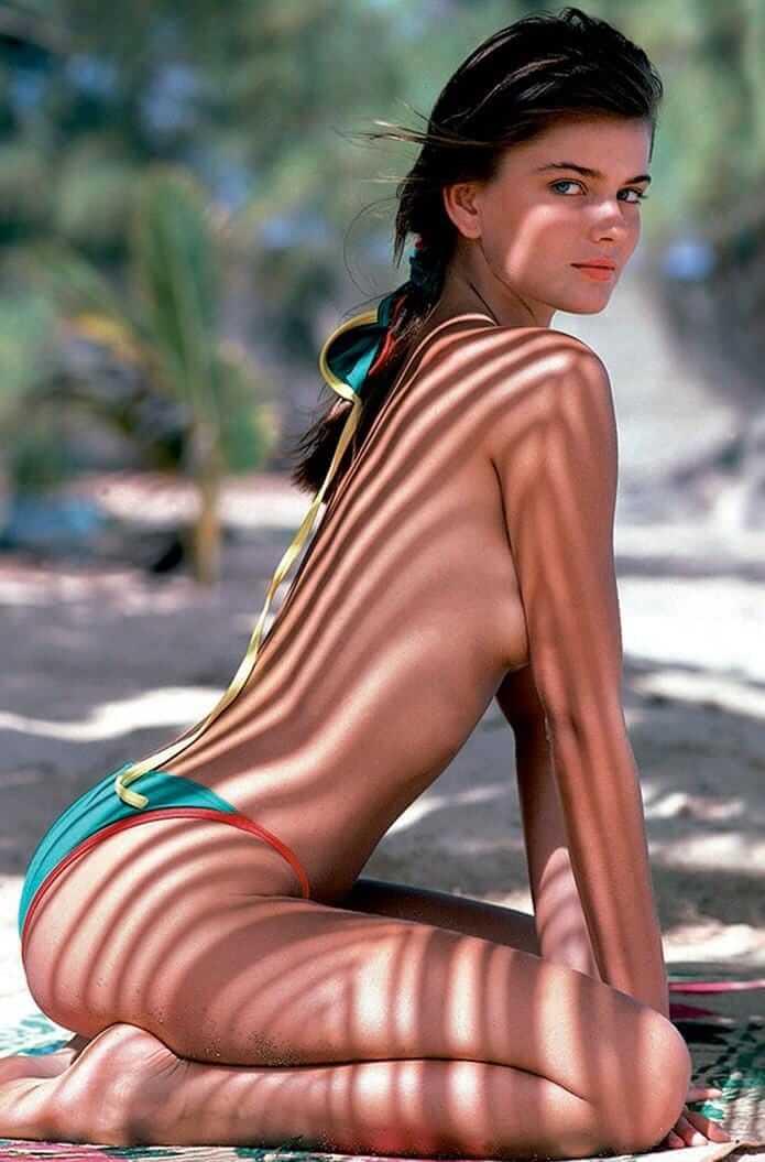 Paulina Porizkova sexy butt pics