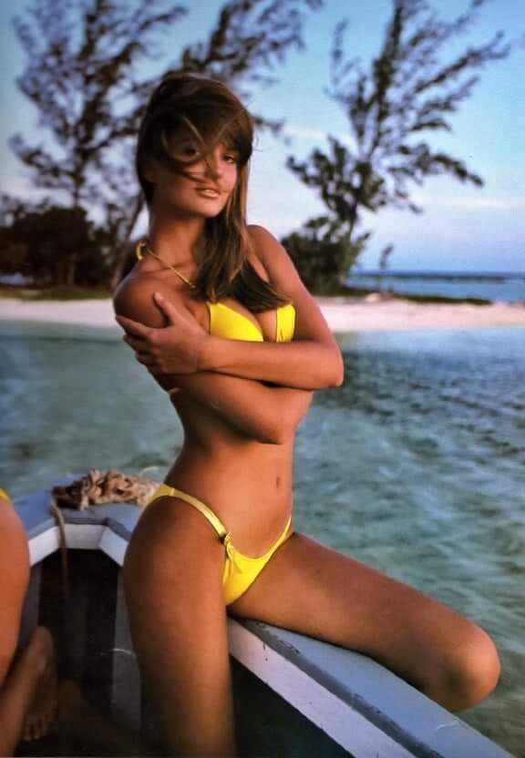 Paulina Porizkova sexy yellow bikini pics