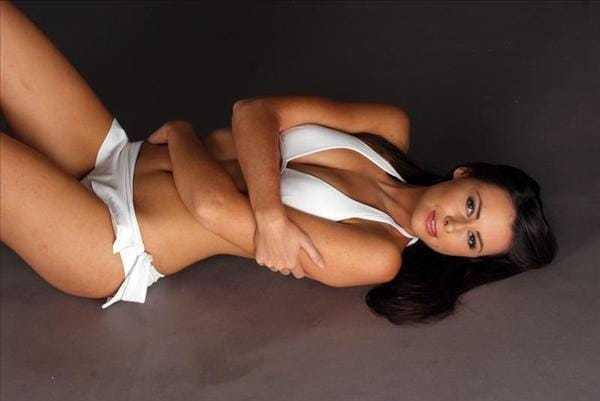 Pauline Egan hot bikini pics