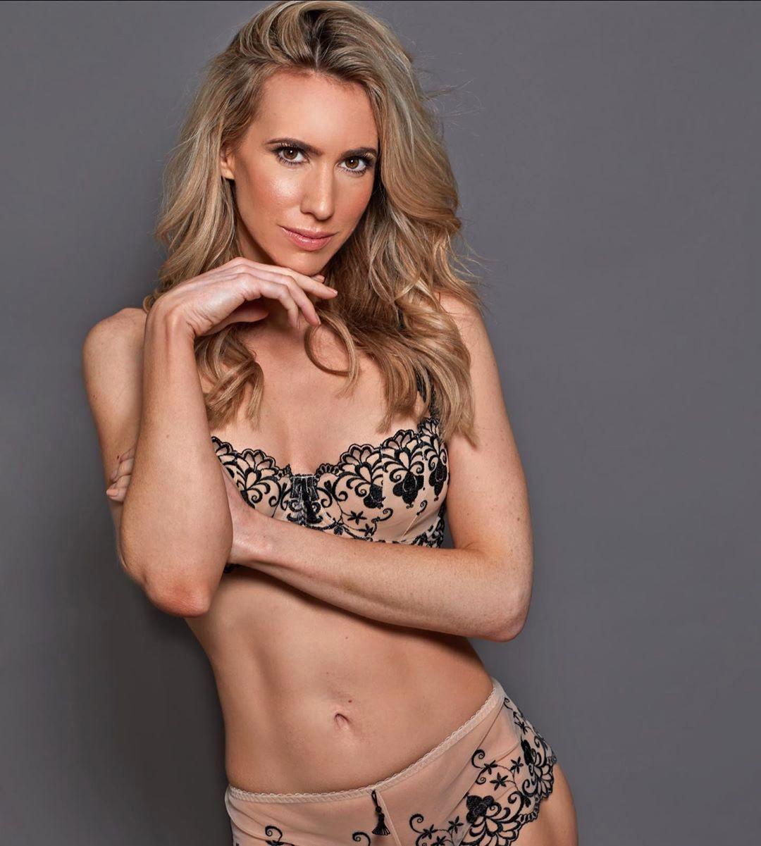 Rebecca Ferdinando bikini pics