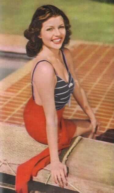 Rita Hayworth big busty pics