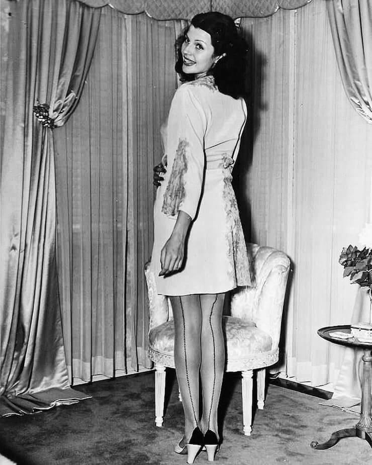 Rita Hayworth hot butt pics