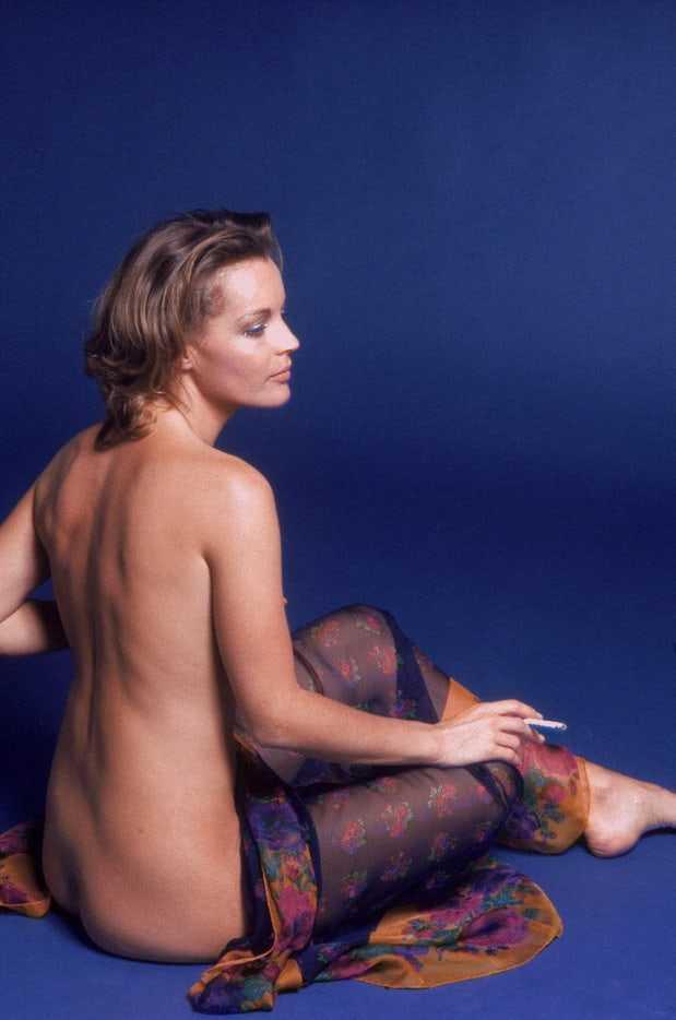 Romy Schneider sexy back pics