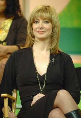 Sharon Lawrence big busty pics