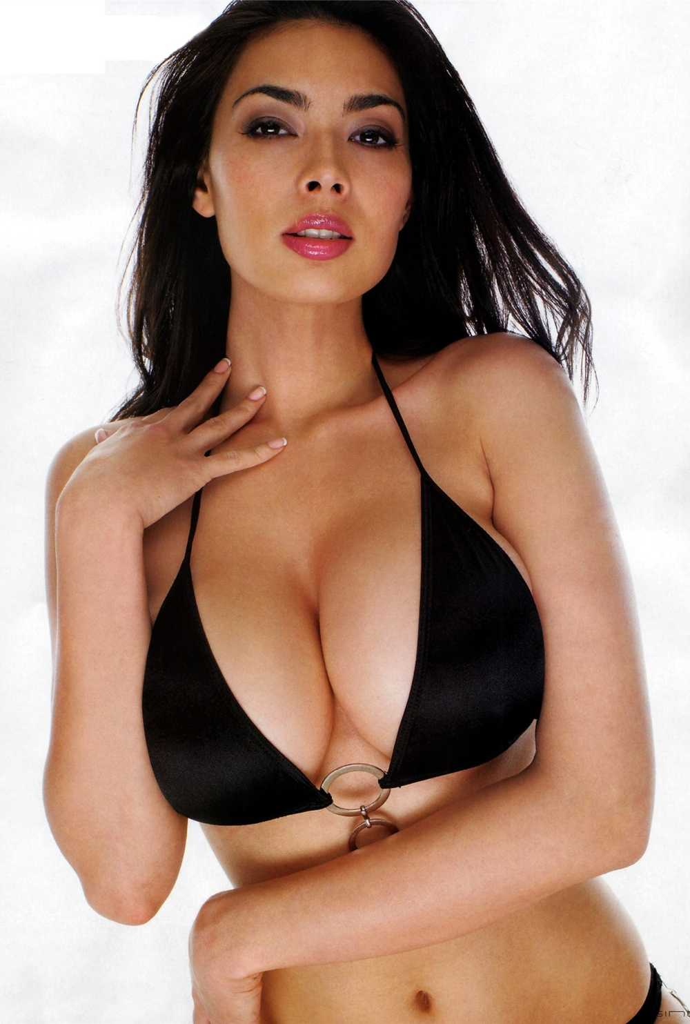 Tera Patrick amazing tits pics
