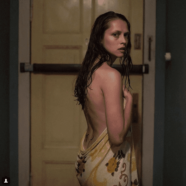 Teresa Palmer busty pics