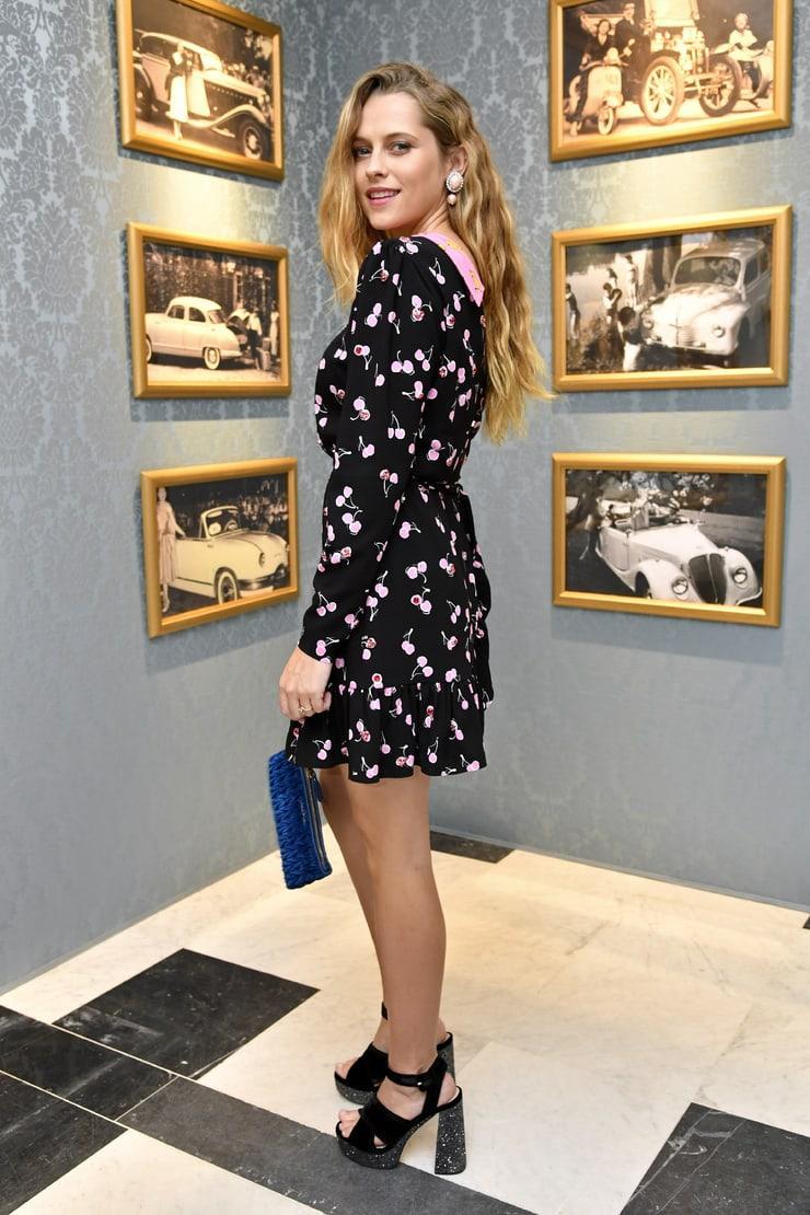 Teresa Palmer hot look pics (2)