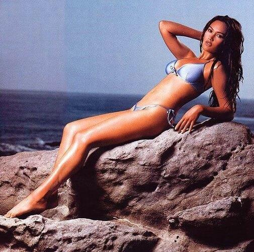 Tia Carrere bikini pics