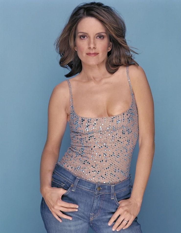 Tina Fey cleavage pics