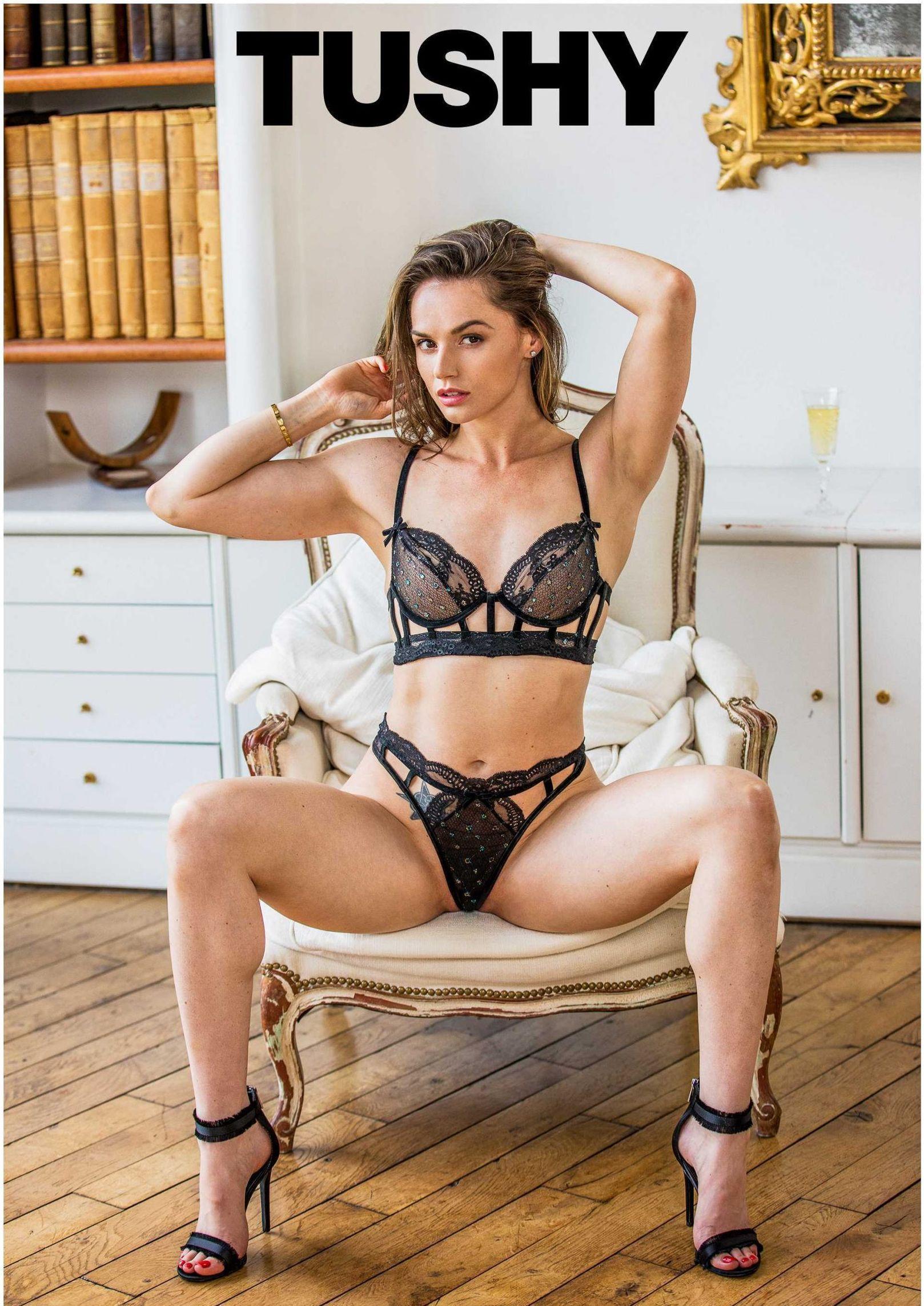 Tori Black big boobs pics