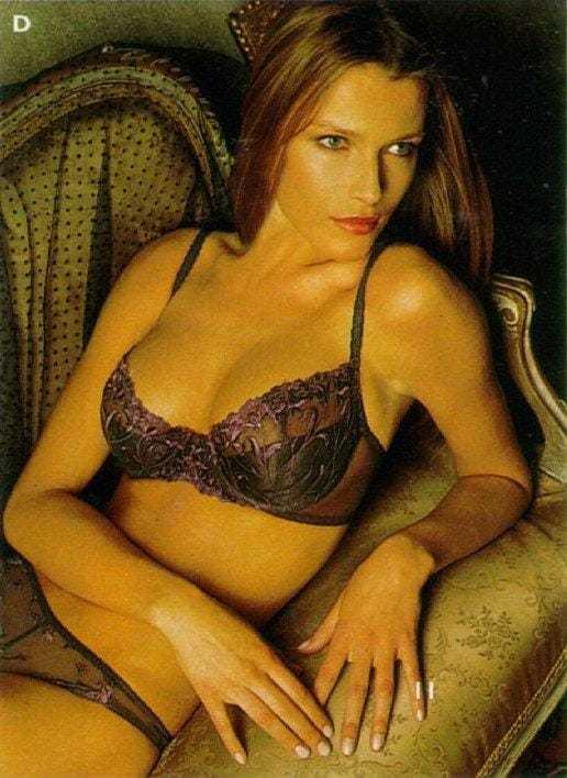 Veronica Varekova tits pictures