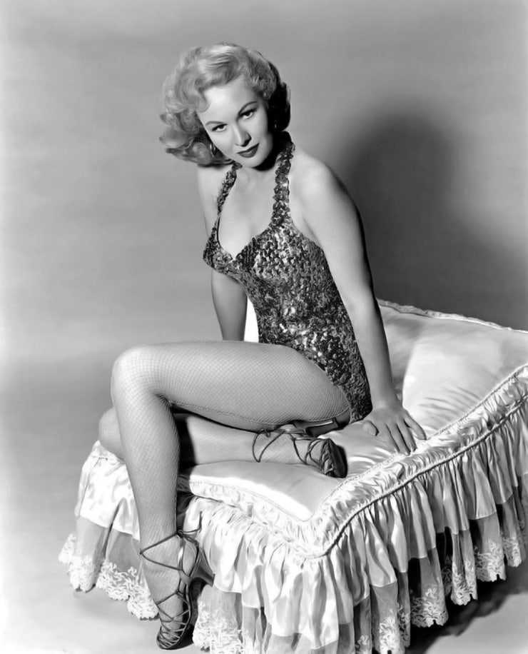 Virginia Mayo sexy pictures