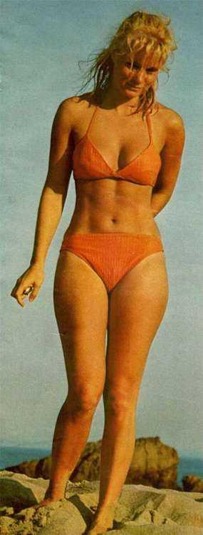 Yvette Mimieux topless pics