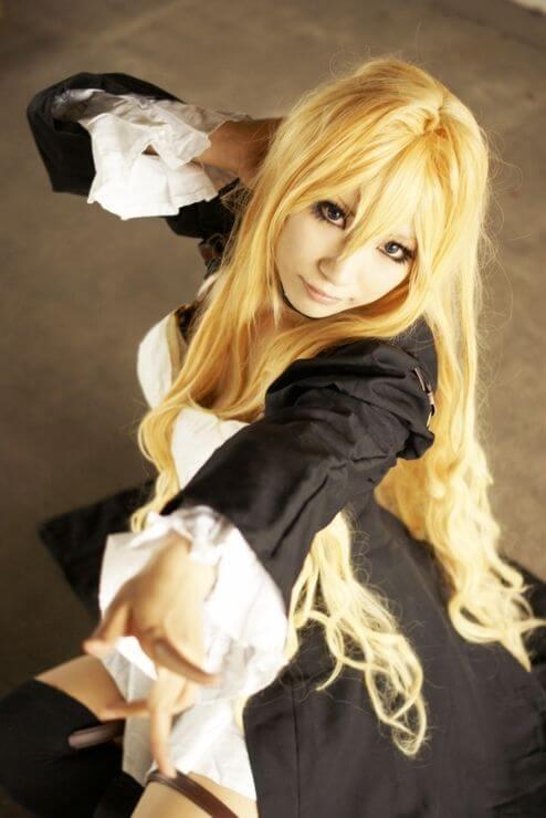 tsukiumi blonde hair