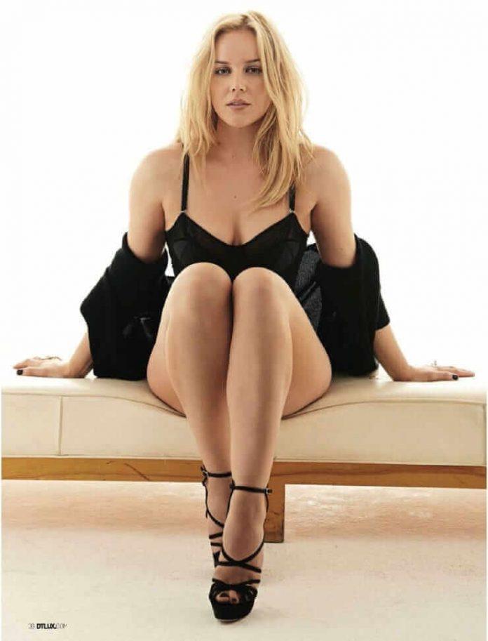 Abbie Cornish sexy