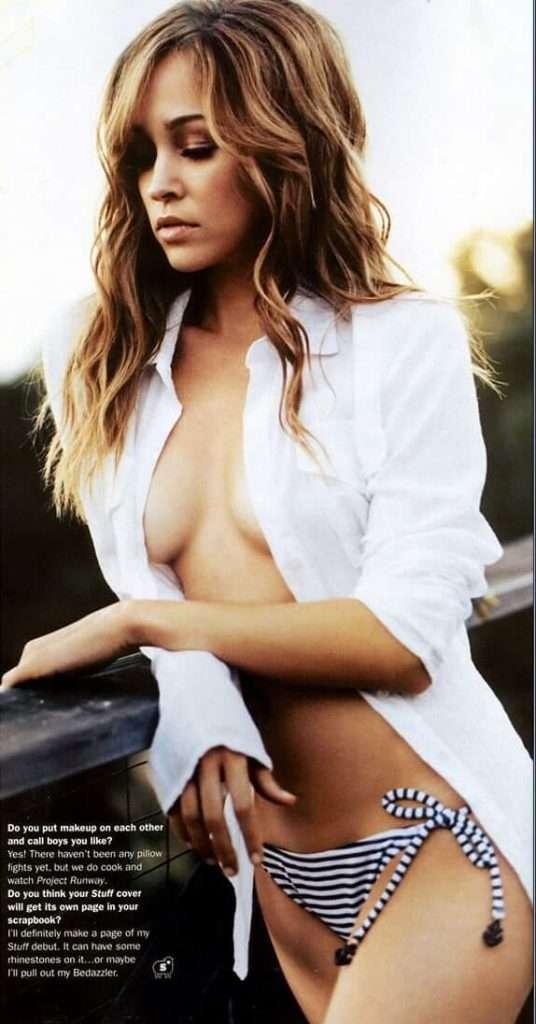 Autumn Reeser boobs pics