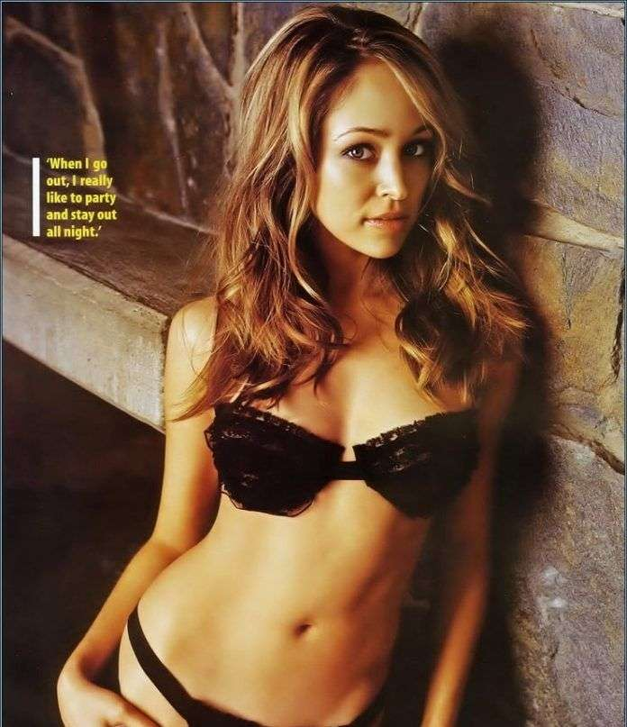 Autumn Reeser cleavages pics
