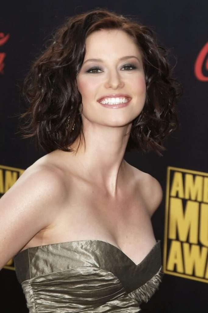 Chyler Leigh tits pics