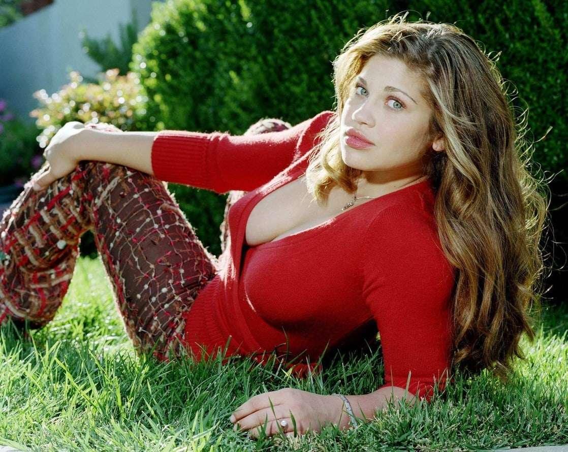 Danielle Fishel tits pics