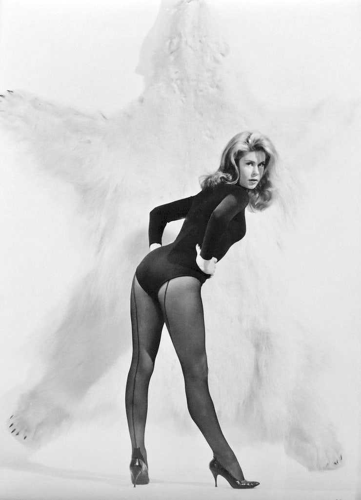 Elizabeth Montgomery big butt pics