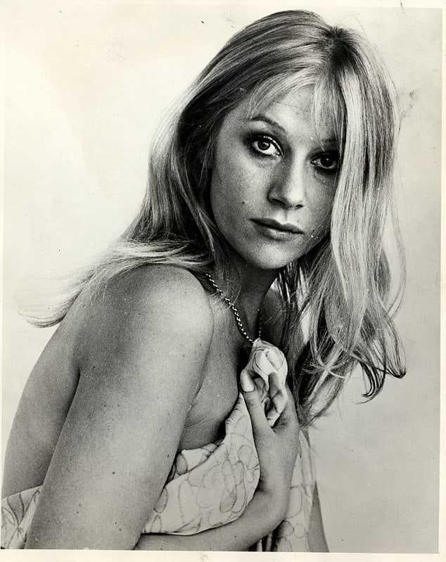 Helen Mirren hot look pics