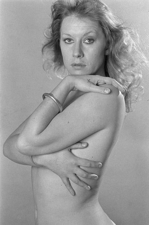 Helen Mirren near nude pics