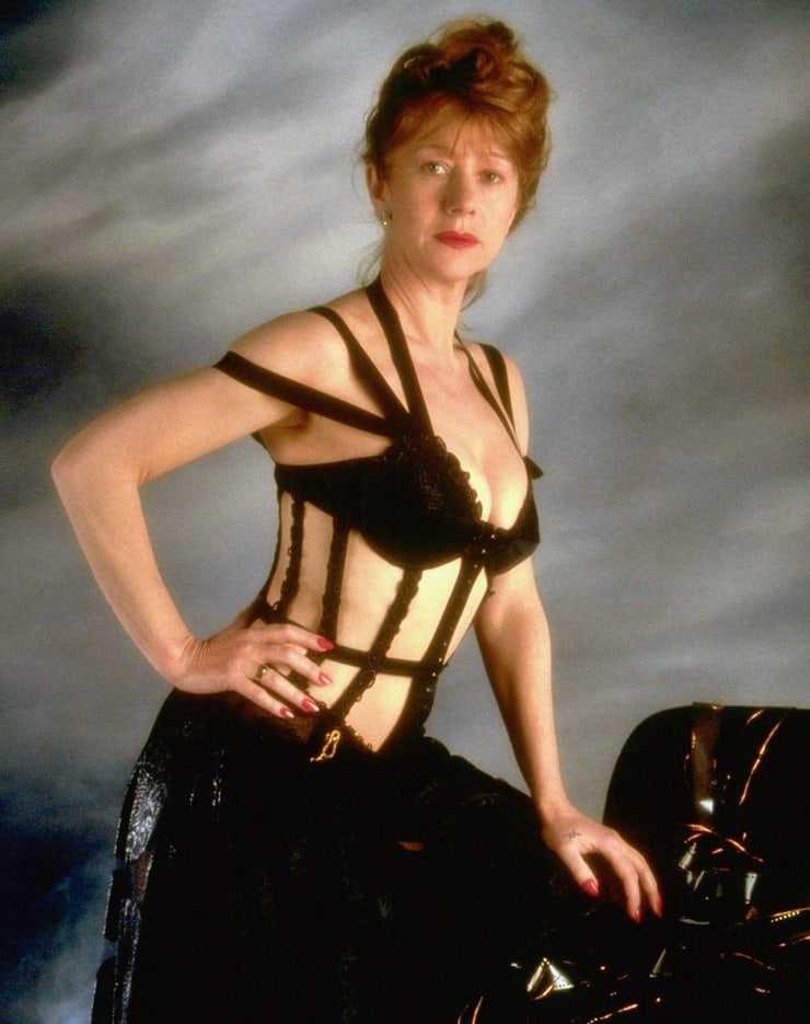 Helen Mirren sexy side boobs pics