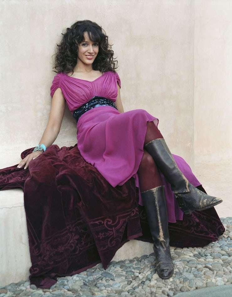 Jennifer Beals feet pics