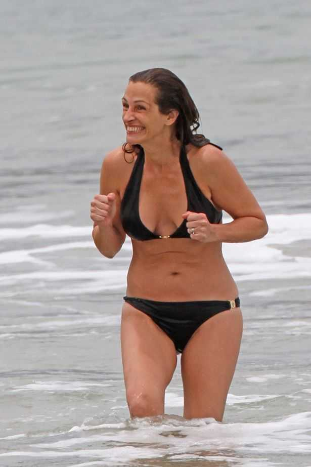 Julia Roberts hot bikini pictures