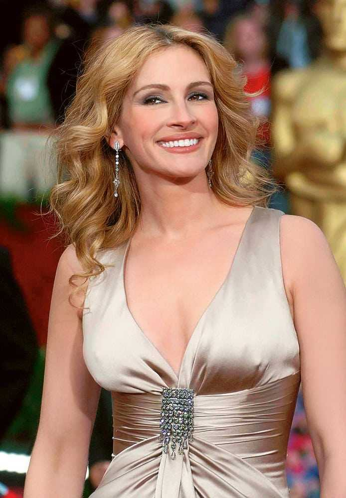 Julia Roberts hot boobs pictures