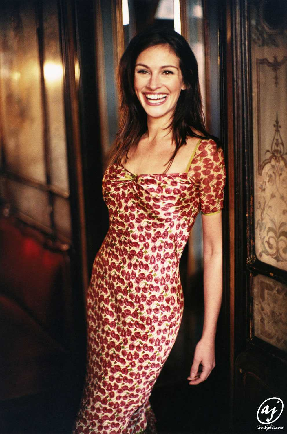 Julia Roberts hot look pics