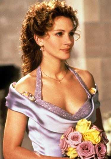 Julia Roberts sexy cleavage pics