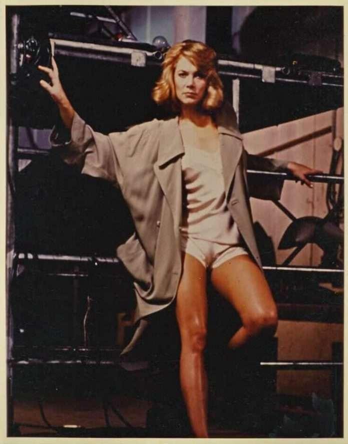 Kathleen Turner sexy feet pics