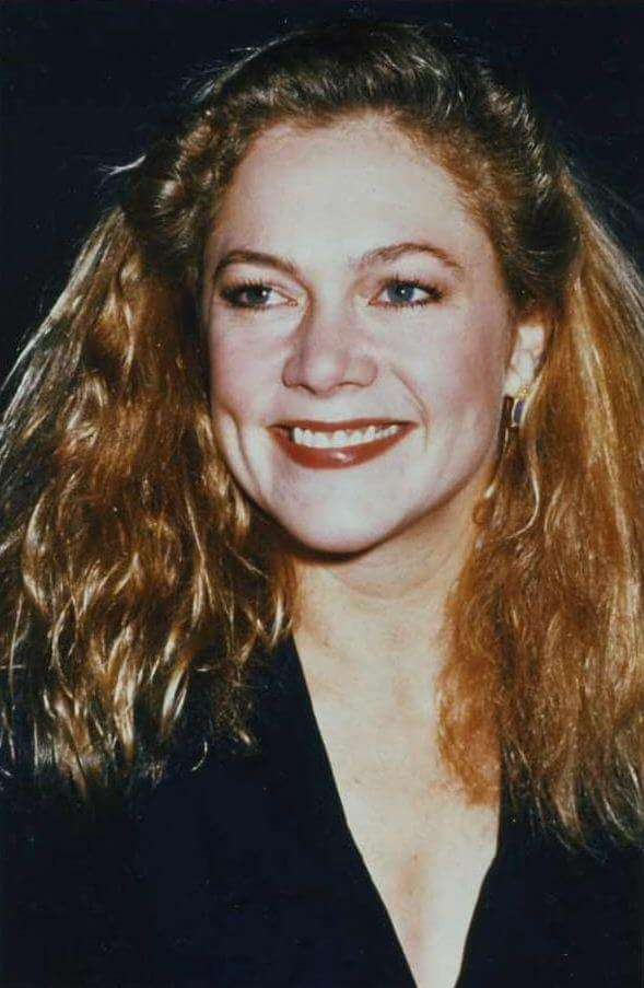 Kathleen Turner smile pics