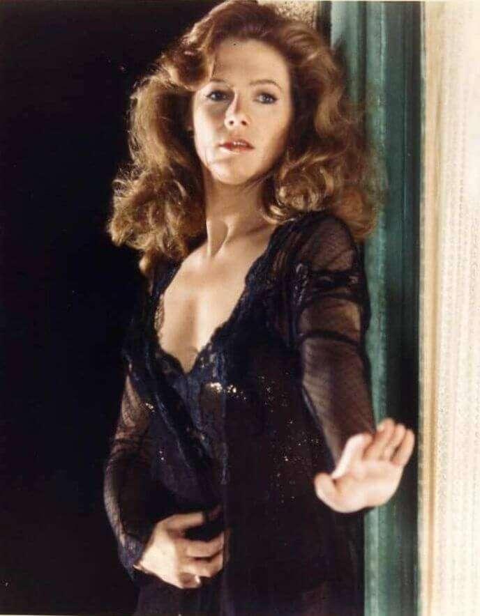 Kathleen Turner tits pics