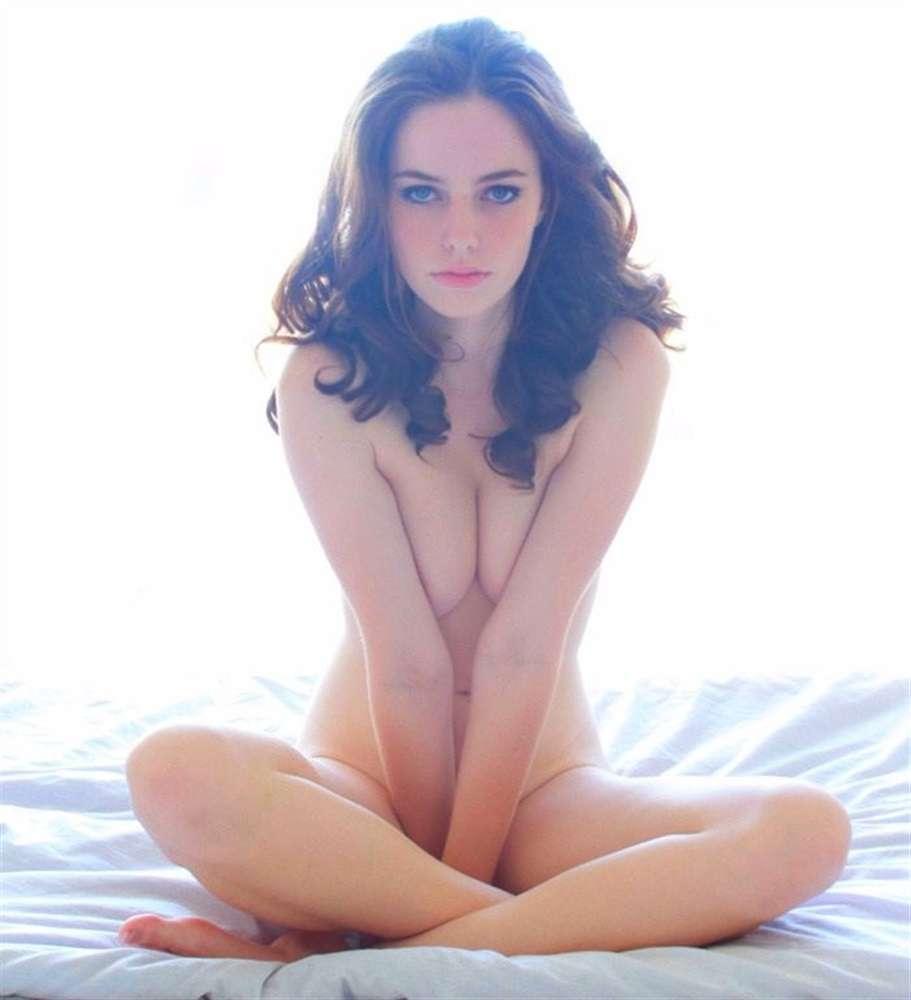 Kaya Scodelario near nude pics