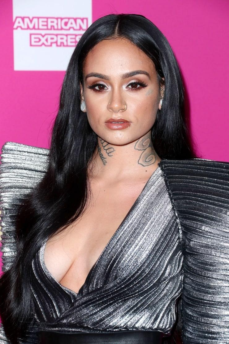 Kehlani hot side boobs pics