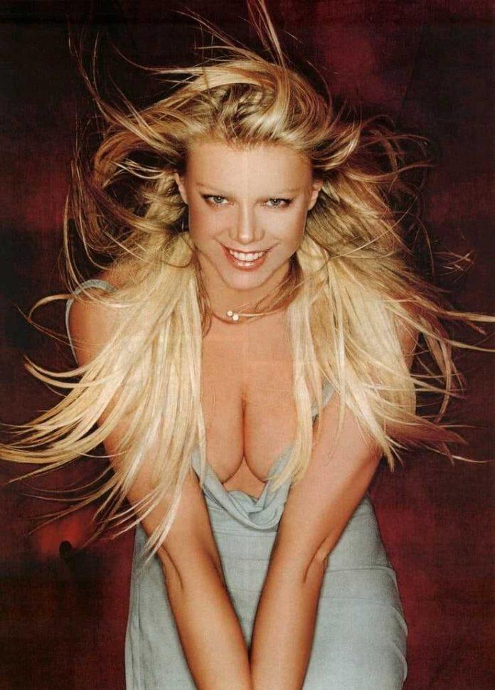 Peta Wilson boobs pics