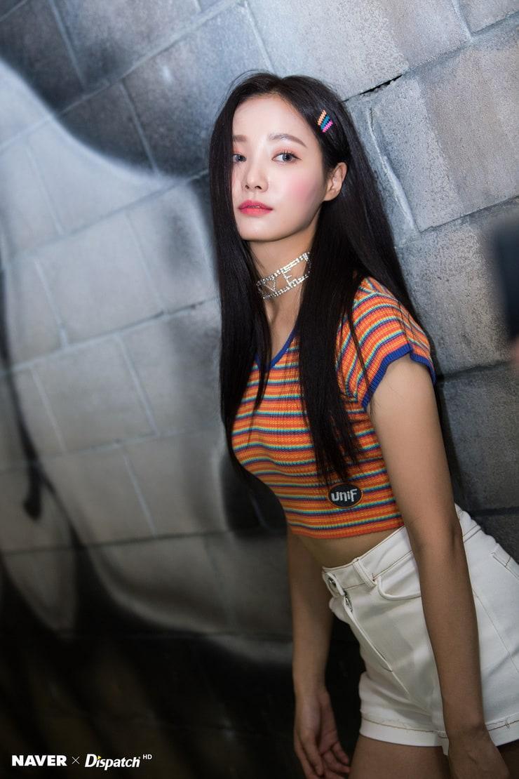 Yeonwoo hot pictures