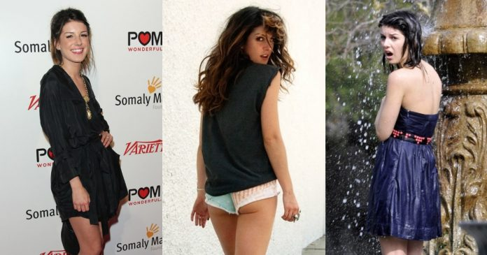 51 Shenae Grimes Bubble Butt Pictures Are The Best On The Internet