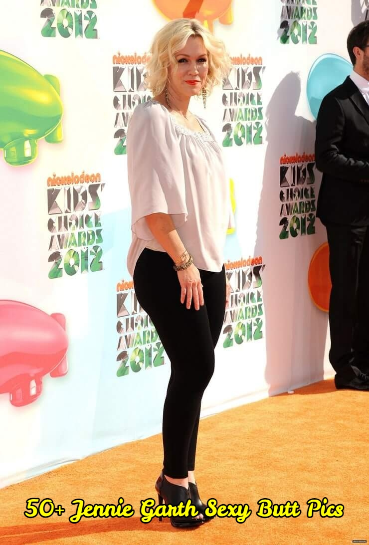 Jennie Garth Sexy Butt Pics
