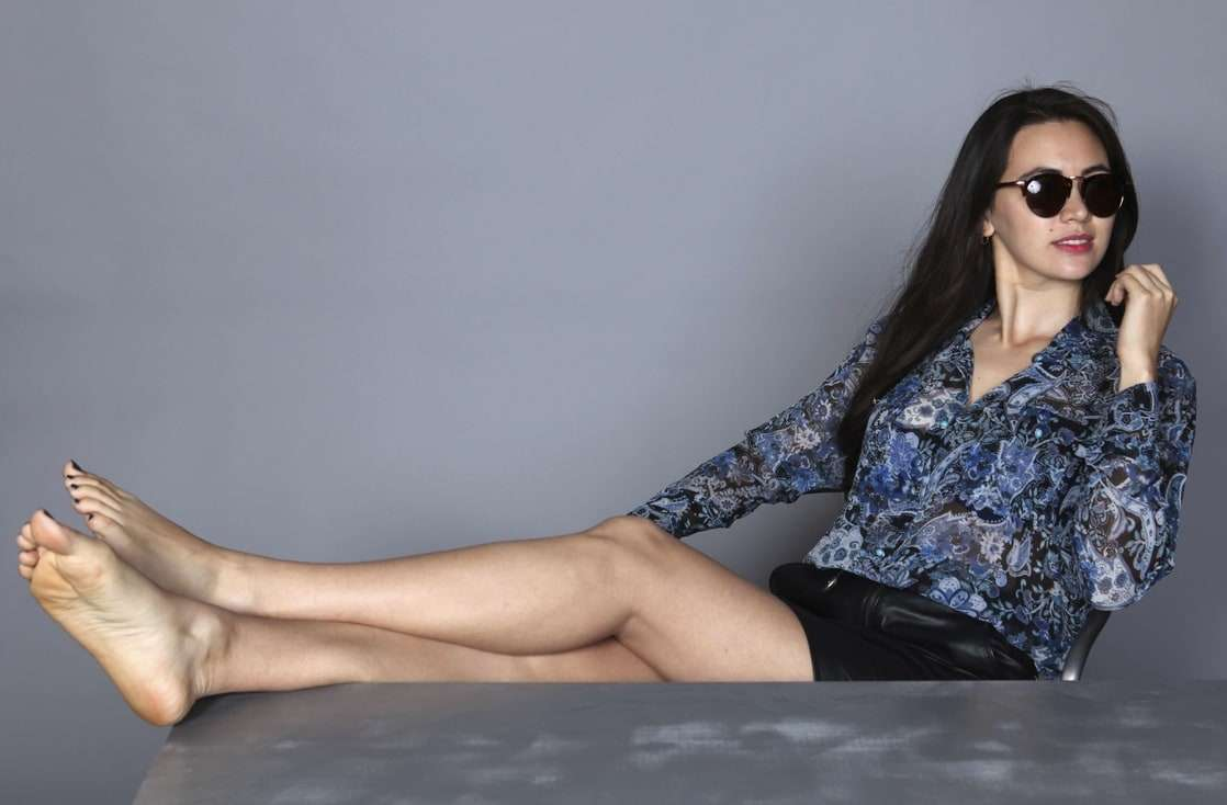 jessica henwick bare feet