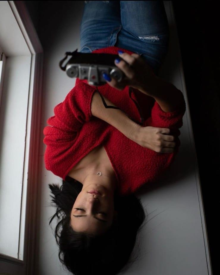 51 горячая картинка Чарли Д'Амелио, которая загипнотизирует вас - ЖИВОТ НА КОФЕ